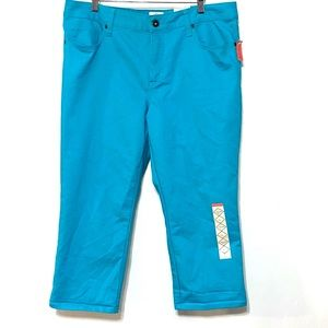 NWT St. John's Bay Cropped Straight Fit sz 16
